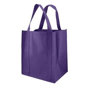 Reusable Tote Bags from the Ultimate Packing List - Take the stress out of packing knowing that you have a list to ensure you are packing everything you need. | Three Olives Branch
