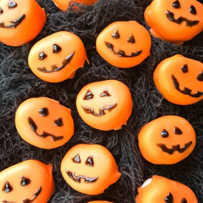 Halloween Candy Dipped Jack-O-Lantern Pumpkin Marshmallows